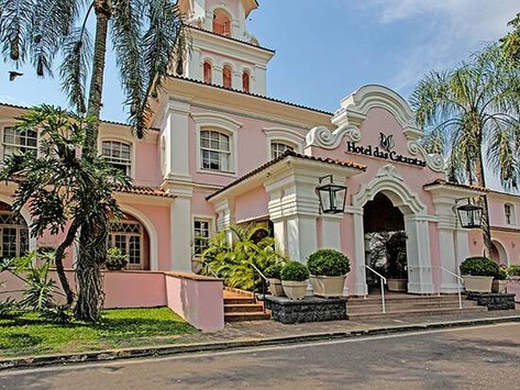 A elegância do Belmond Hotel das Cataratas e o frescor do Dona Berta Rabigato.