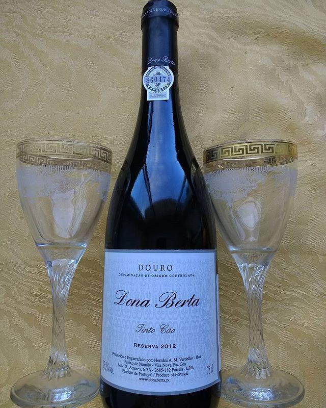 Caros Amigos e Clientes,__Para os vinhos