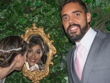 Chico Carreiro personalizando sonhos de Queridos Clientes. Vinhos Dona Berta no elegante casório!