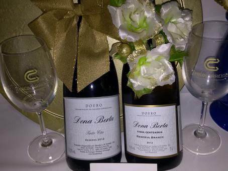Bodas de Ouro: momento especial. Cliente querido da Chico Carreiro brindou com vinhos Dona Berta!