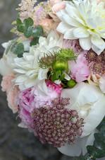 Bouquet de mariee blanc pivoine dahlia hortensia