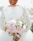 La mariée et son bouquet
