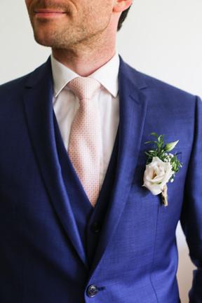 Le marié et sa boutonnière