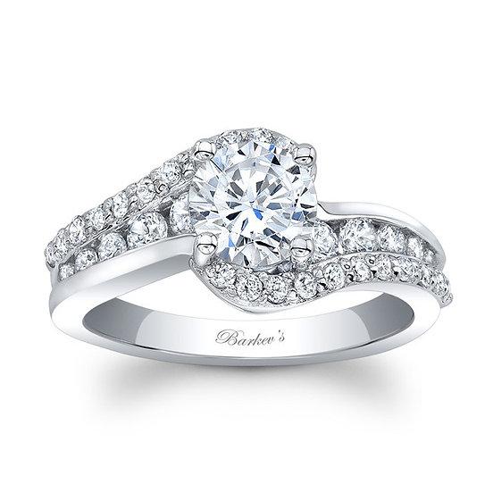 8017L WHITE GOLD DIAMOND ENGAGEMENT RING