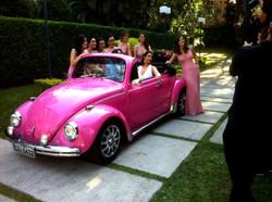 Fusca rosa conversível - Casamento