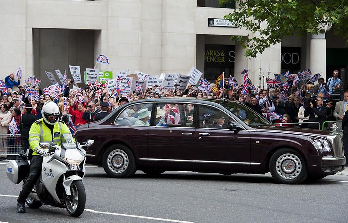 Rainha Elizabeth II, Bentley