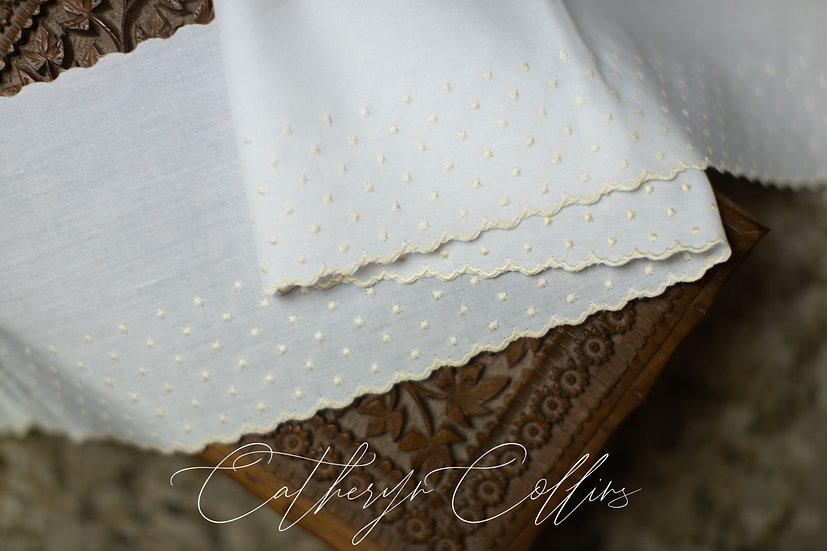 Swiss Embroidery Edging 56302 (5 1/4 inches wide)
