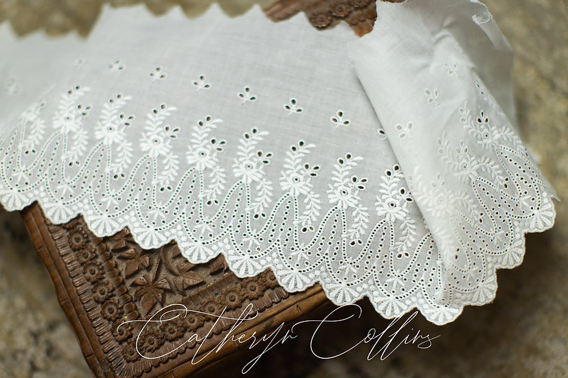 Swiss Embroidery Edging 80009 (6 inches wide)