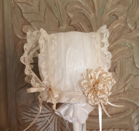 ONE OF A KIND: Round Thread All Lace T-cap Bonnet