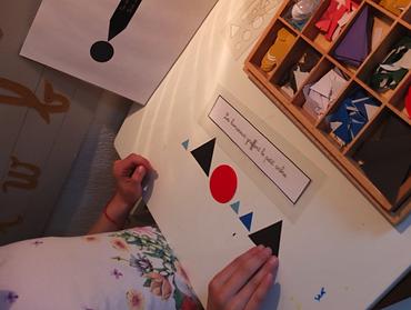 Exemple d'analyse grammaticale d'une phrase (pédagogie Montessori)