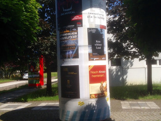 Among many other wonderful ideas our background on a Litfaßsäule in Berlin :-) Thank you, dear Confe