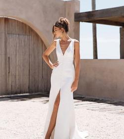 WEDDING DRESSES - AMY ORAM