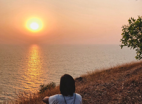 How to experience one of the best sundowners of your life at Gokarna, Karnataka, India.
