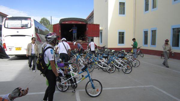 苗圃鎮洋單車助學行2010 –『青海湖之旅』009.jpg