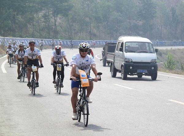 苗圃單車助學行 - 絲綢之路2009-10.jpg