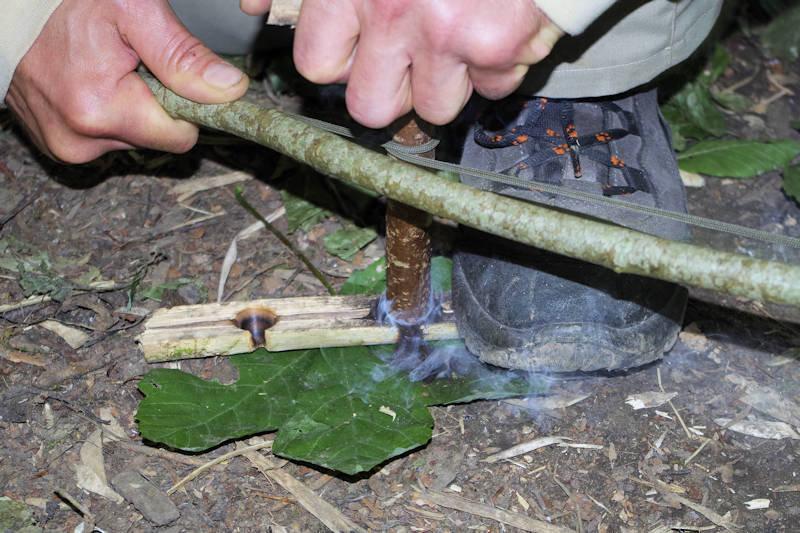 Überlebenstraining im Survival Camp
