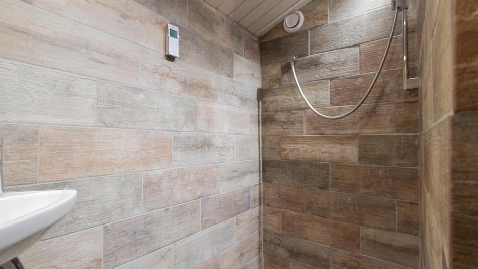 Bellecote Shower.jpg