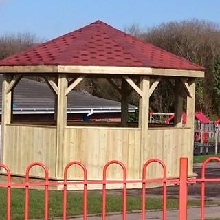 Outdoor-Wooden-Structures-for-Schools.JP