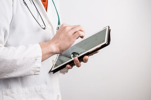 doctor-with-tablet-1461913224a9i.jpg