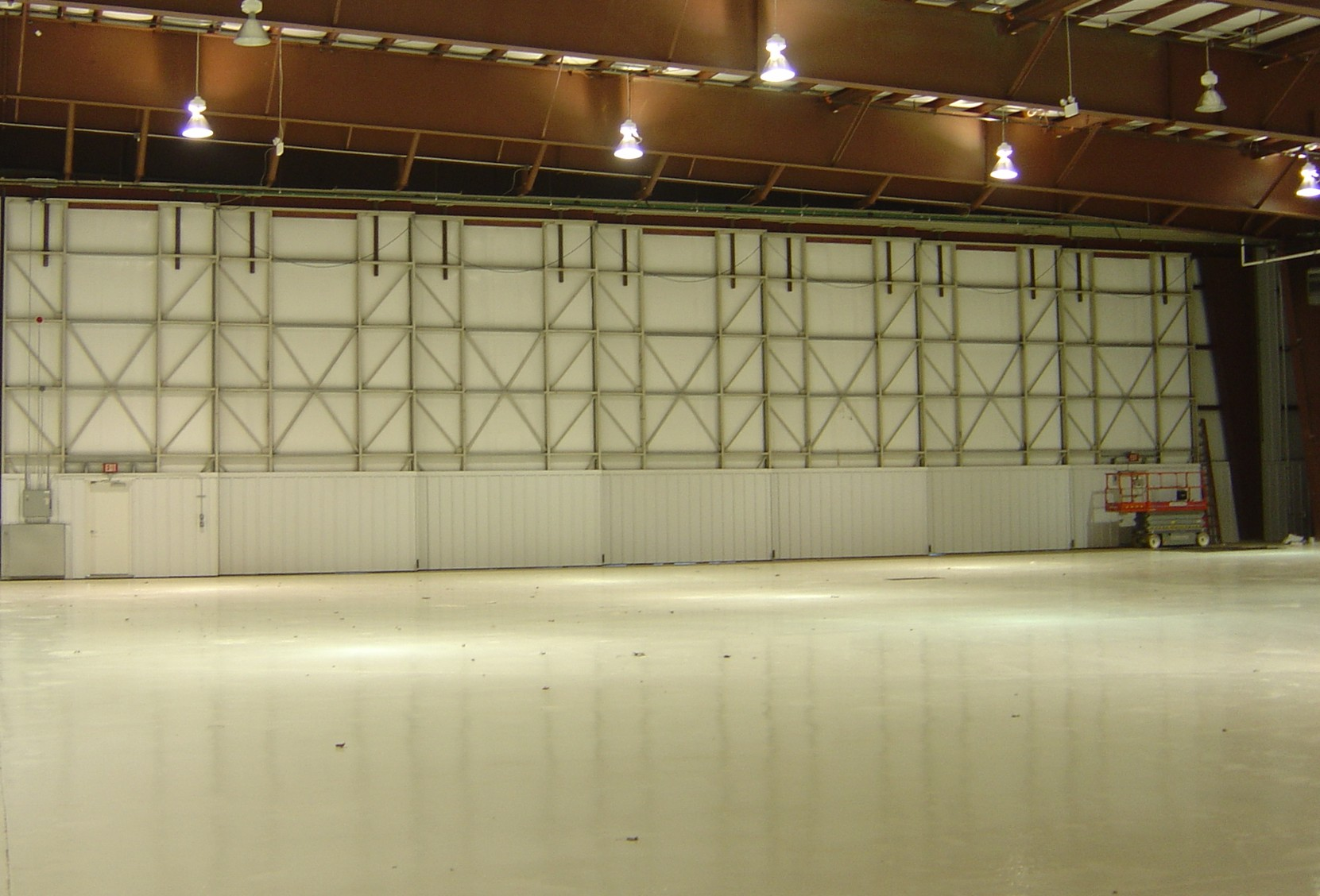 Bottom Rolling Hangar Doors