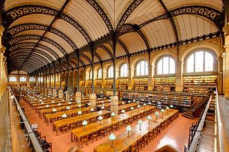 Salle_de_lecture_Bibliotheque_Sainte-Gen