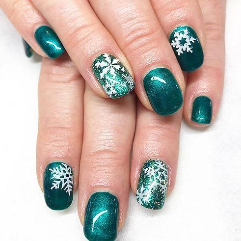 Midnight emerald & snowflakes ❄️