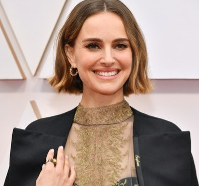 Rose McGowan Slams Natalie Portman's Oscars 2020 Dior Protest Cape in a Facebook Post