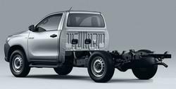TOYOTA-HILUX-CABINA-CHASIS-2