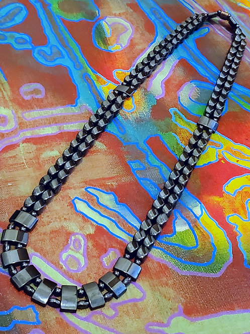 5G BUSTER NECKLACE