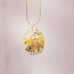 Wedding flowers incapsulated 💛__#presse