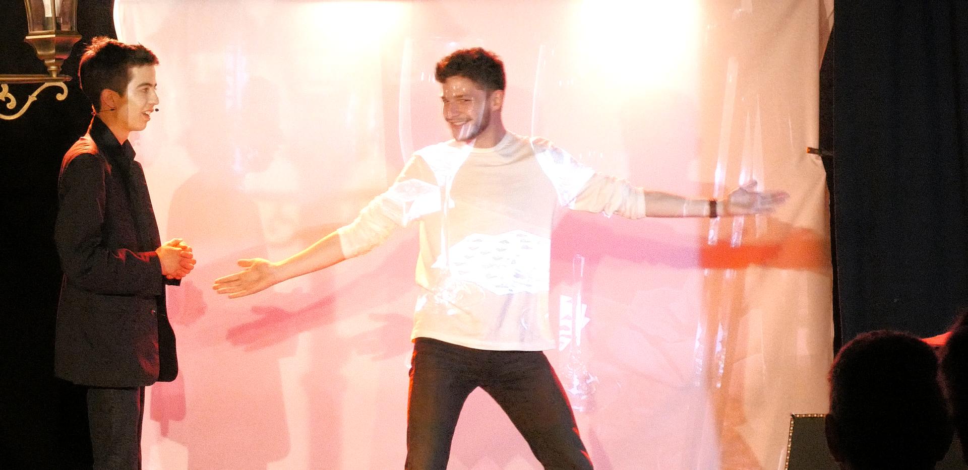 valentin-spectacle-magie-côte d'azur