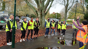 Local volunteers pitch in to clean up Papakura