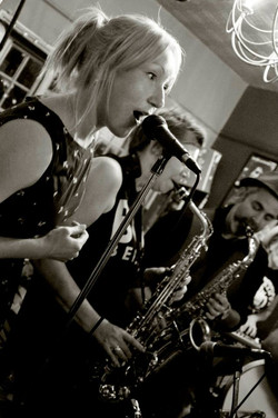 Flo & Sue_Barge Inn.jpg