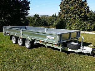 flt35166-tri-axle-flatbed.jpg