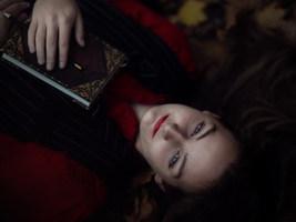 Veronika_Lavey_Ella_Oct_2020_3.jpg