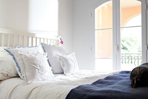 לקראת הולנטיין: איך תעצבו לכם חדר שינה רומנטי