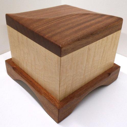 Premium urn