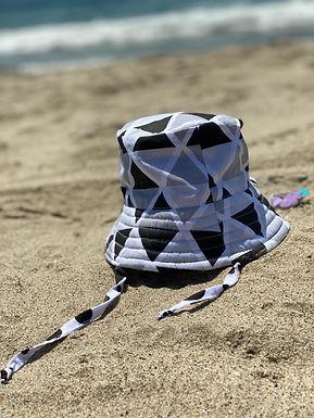 SHADOW BUCKET HAT