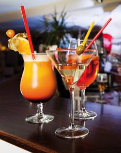 drinks-on-the-bar