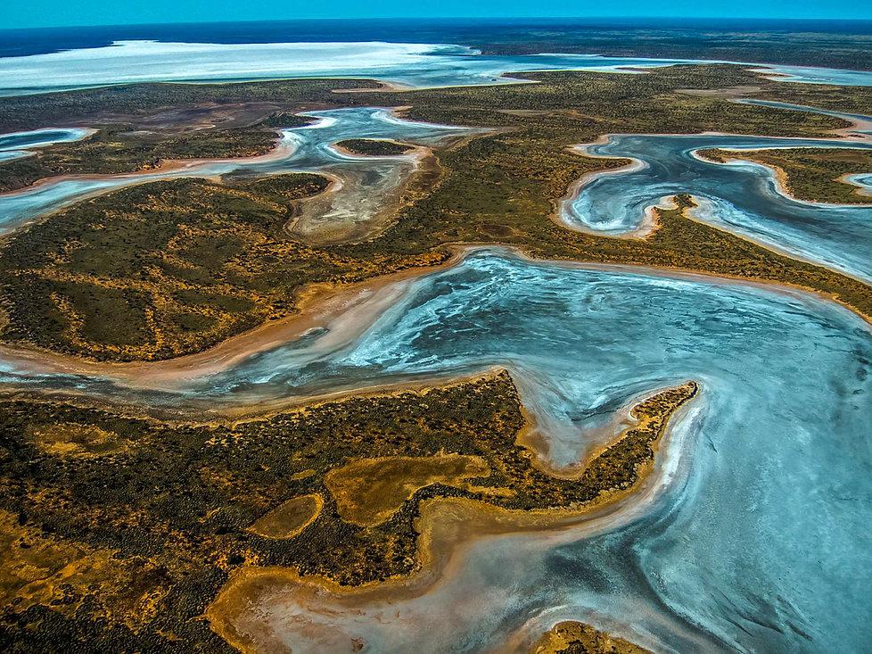 143-Lake-Mackay.jpg