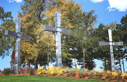 Monumental-Cross-Sculptures