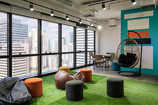 creative-room-coworking-space-with-cushi