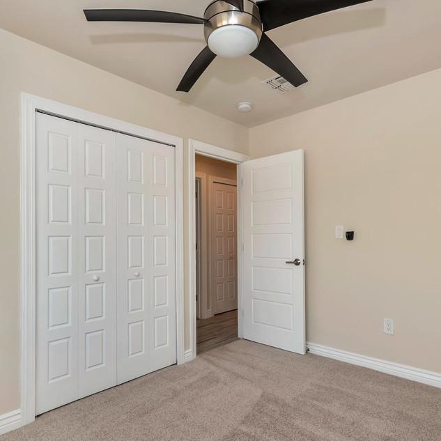 2407 E Meadowbrook Ave Phoenix-large-016