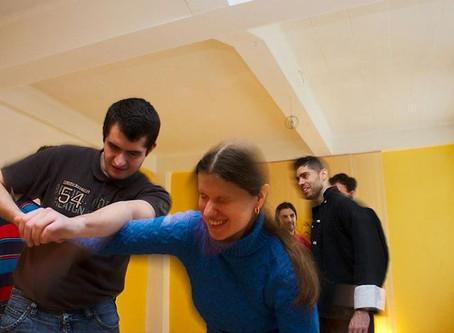 Zeitungsartikel Fürther Nachrichten vom 18.02.2013 - Blinde üben sich in Selbstverteidigung
