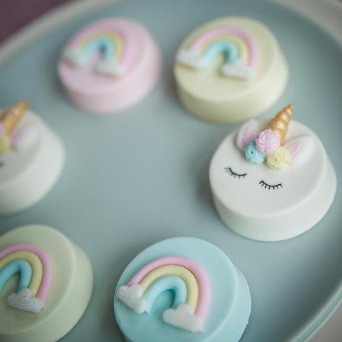 Sleeping Unicorn and Rainbow Cakelet Gift Box