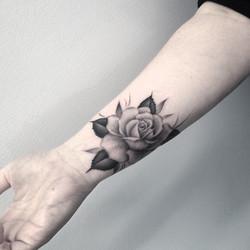 wrist+rose