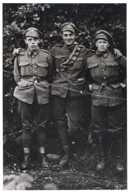 PHOTO COURTESY OF PETER STEPHENSON Hudsonites Pete Stephenson (left) and John Mullan (right) with their buddy Bryce Muir, who possibly served with the McGill Battery.