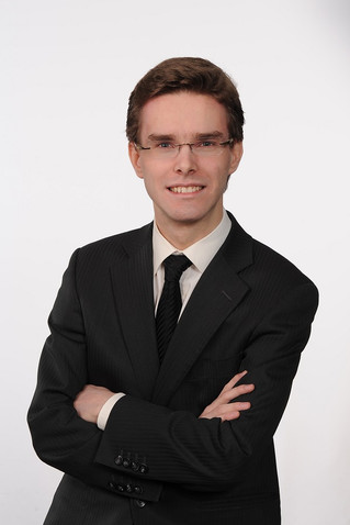 Simply and keenly: MUSIC! Wednesday, August 16 at 8 pm Another young pianist, very impressive of the