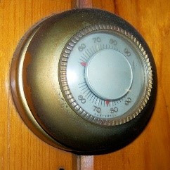 Old fashioned Thermostat
