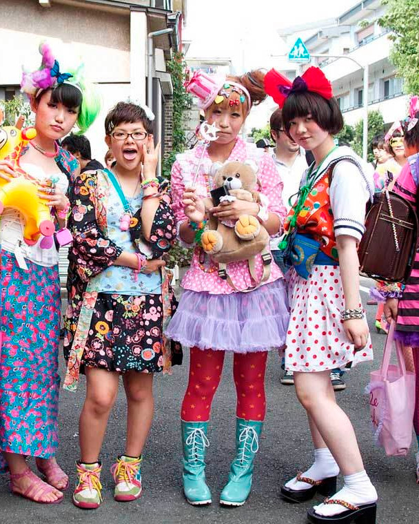 TokyoFashionHarajukuGroup.jpg